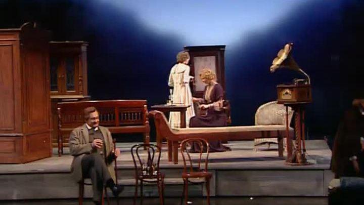 Андрей Кончаловский представил трилогию по пьесам Чехова