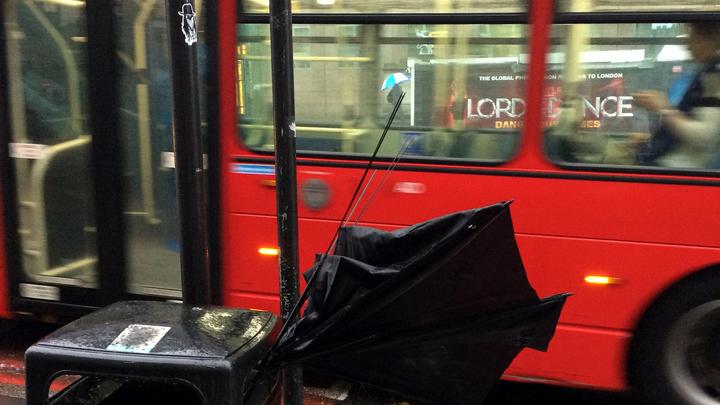 Мощный ливень подтопил десятки улиц в Лондоне