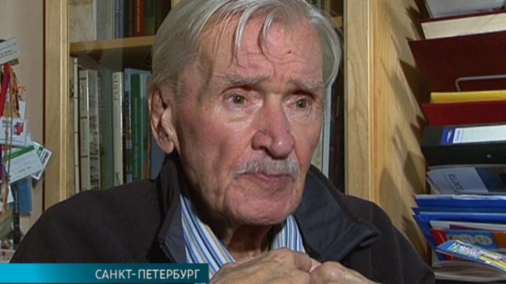 Игорь Масленников принимает поздравления с 85-летием