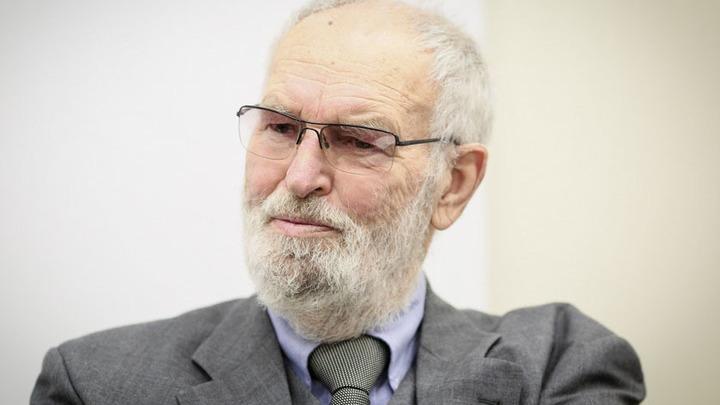 Регимантас Адомайтис отмечает 80-летие