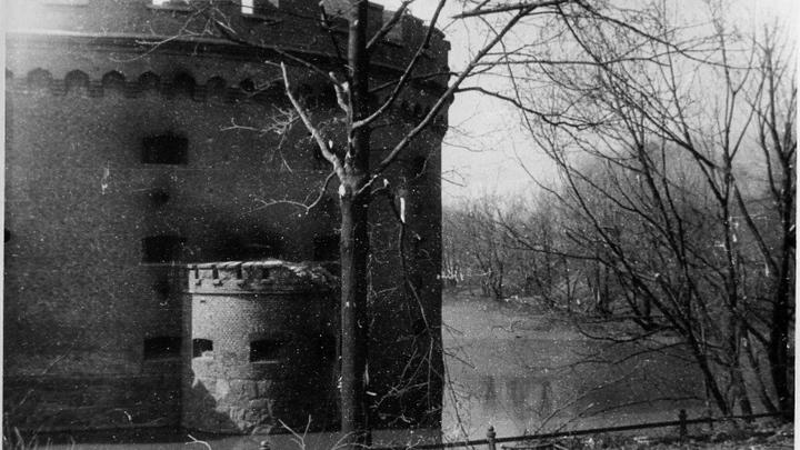 Кёнигсберг, оборонная башня в апреле 1945 года
