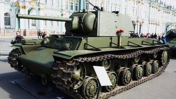 Выставка военной техники пройдет на Дворцовой площади