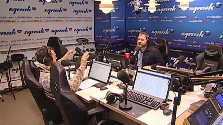 Сергей Стиллавин и его друзья. МВД предложило обязать водителей носить светоотражающую одежду