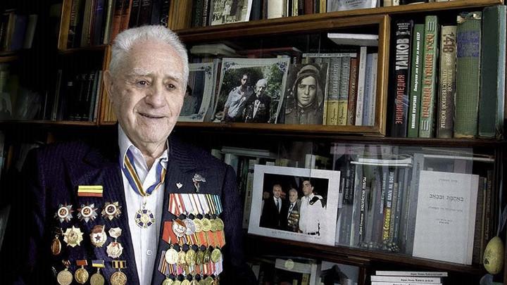 Иона Лазаревич Деген, участник войны, врач, писатель, борец против антисемитизма