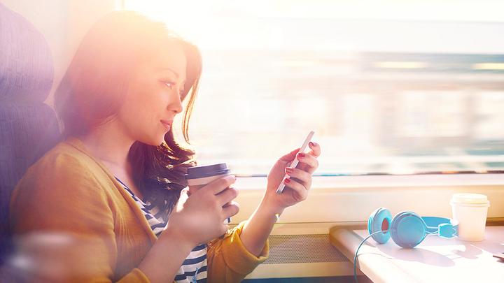 Тонкие пластинки зарядят светом любой телефон