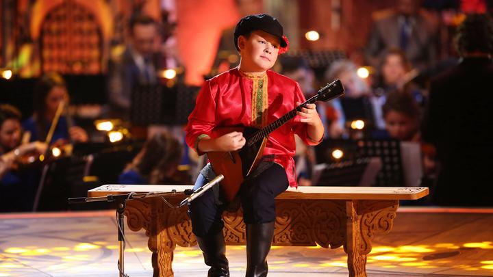Владислав Седов.В. А. Моцарт, «Турецкое рондо».«Калинка-Малинка», русская народная песня