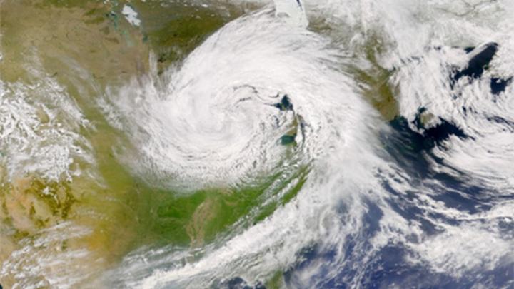 Погодные аномалии, видные из космоса.