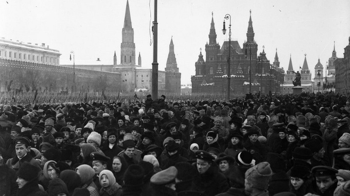 Кафедра. Без эмоций о событиях 1917 года