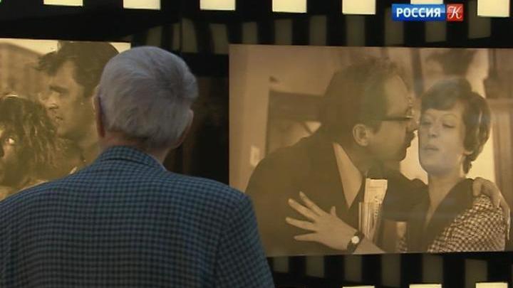 """В Новом Манеже - выставка """"Необъятный Рязанов"""" к 90-летию со дня рождения режиссера"""