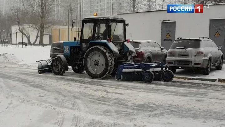 Москва в снежном плену: снег идет вторые сутки