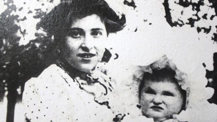 8.Елизавета Салтыкова с дочерью Тамарой, фото конца ХIХ века.