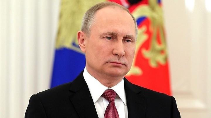 Владимир Путин поздравил Игоря Костолевского с юбилеем