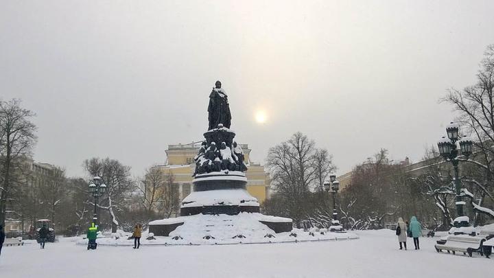 Санкт-Петербург, март 2018 года. Идем в Александринский театр…Фото Л.Варебруса