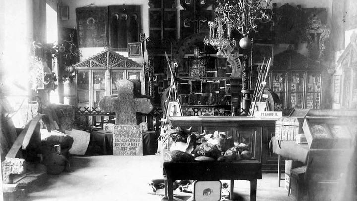 Церковный отдел Тверского музея. Фото конца XIX века.