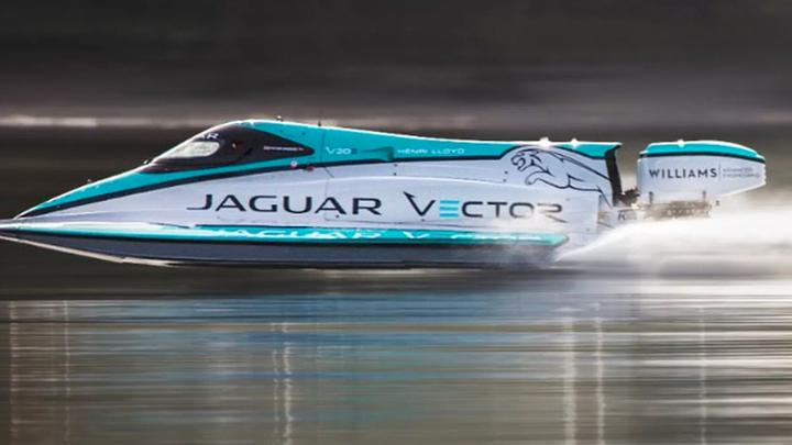 Электрокатер Jaguar побил мировой рекорд