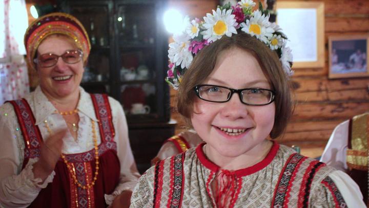 Владимирская область, старинная песня села Лизуново. Таня Барашкова запевает «Вареньку»…