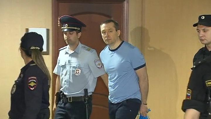 Экс-полковника Захарченко увезли в больницу из СИЗО