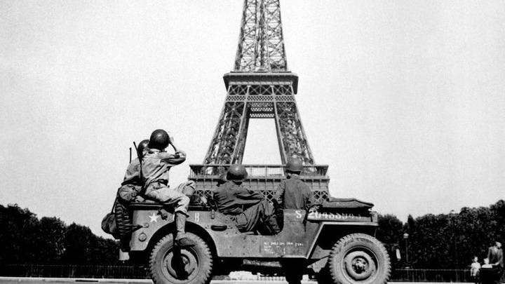 Солдаты 4 дивизии США в Париже. 1944 год, август