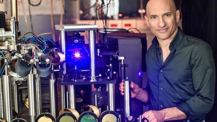Учёный создал искусственную чёрную дыру в лабораторных условиях.