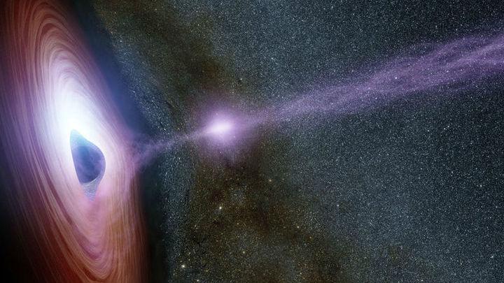 Джеты √ это струи частиц, разогнанных почти до скорости света.