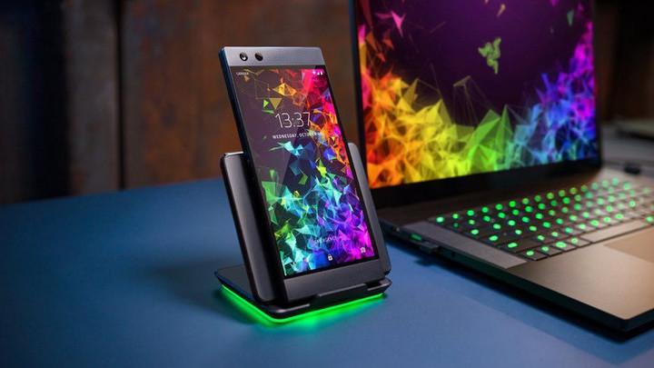 Razer Phone 2: влагозащищенный игровой смартфон со 120-герцевым экраном