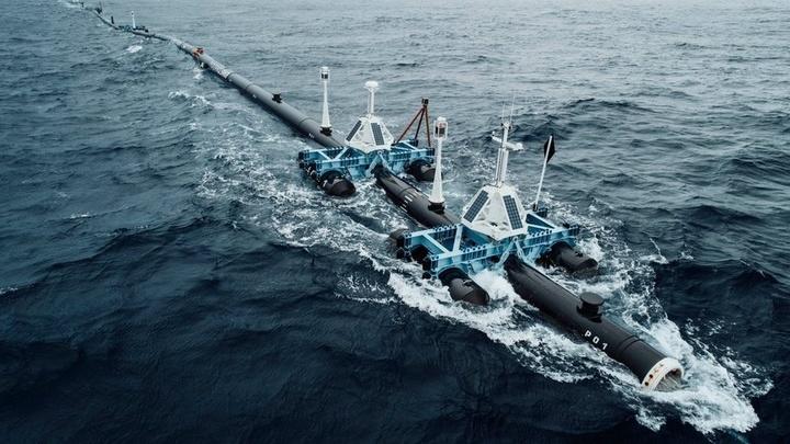 По оценкам некоторых экологов, ежегодно в океан попадает 8-12 миллионов тонн пластика.