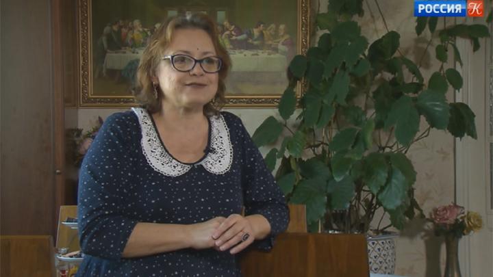 Елена Цыплакова принимает поздравления с юбилеем
