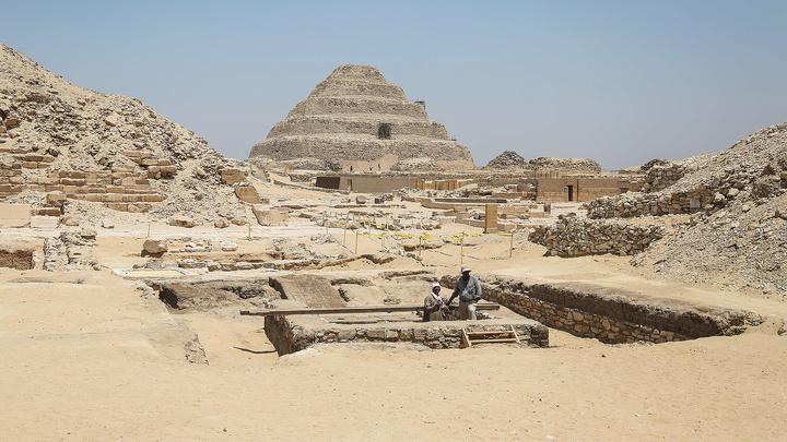 Египет пригласил Маска убедиться, что пирамиды построили не инопланетяне