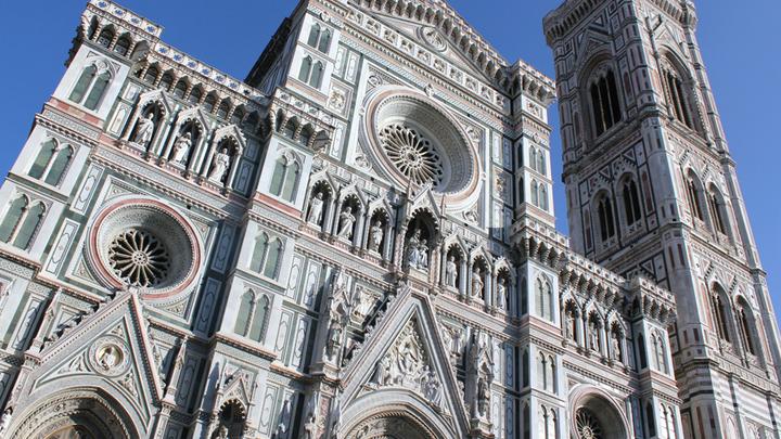 Фасад собора с колокольней Джотто, авторы проекта Андреа Пизано и Францеско Таленти. 1334-1359 годы. ФотоЛ. Варебруса