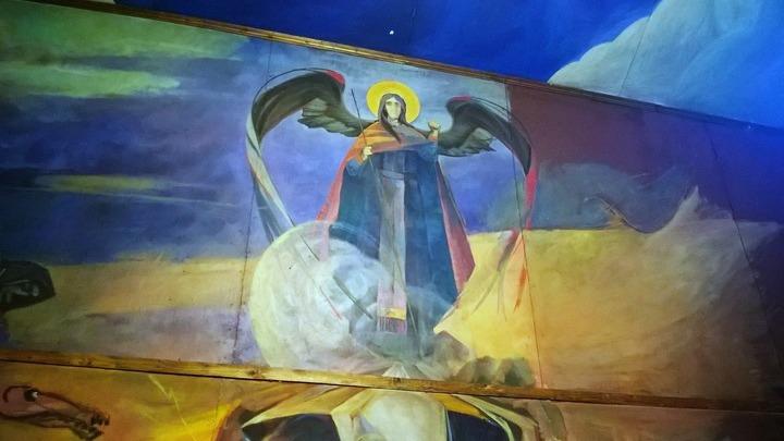Панно В.Овсянникова «Снисхождение в ад», настенная роспись в Крестовоздвиженской церкви Мелихово. Фото Л. Варебруса