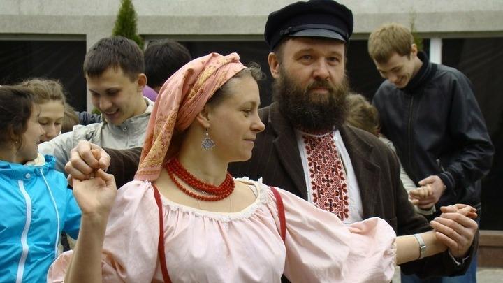 Василий Евхимович. Танцует.  Фото с сайта www.ewhim.ru