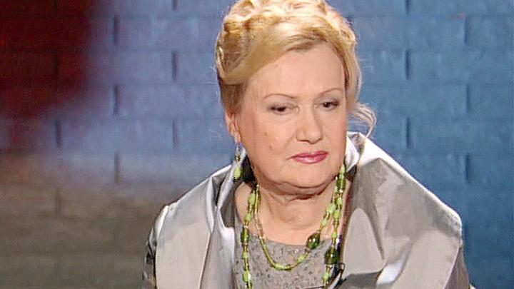 Заслуженный тренер России Елена Чайковская принимает поздравления