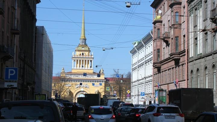 Санкт-Петербург. На Гороховой улице, одной из трех главных перспектив города на Неве.Фото Леонида Варебруса.