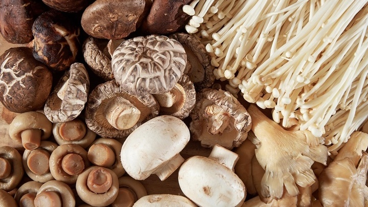 Большинство участников исследования потребляли в пищу вёшенки, шампиньоны и шиитаке. Но учёные полагают, что любые другие грибы окажут такой же положительный эффект.