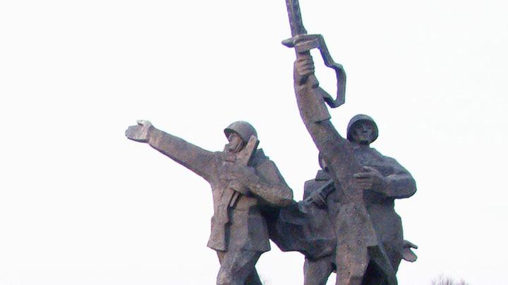 Памятник Воинам-освободителям в Риге.(автор Владимир Старков/ТАСС)
