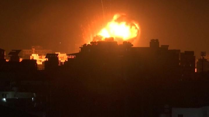 Израильская артиллерия открыла огонь по пригороду ливанского города Тир