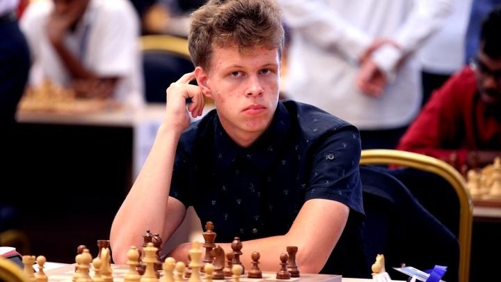 Артемьев обыграл Раджабова в финале Champions Chess Tour