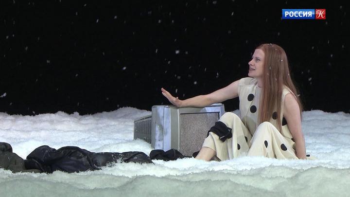 На Чеховском фестивале представили два необычных спектакля