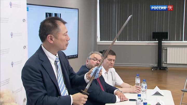 Москву посетил специалист по японским мечам Симада Нобуо
