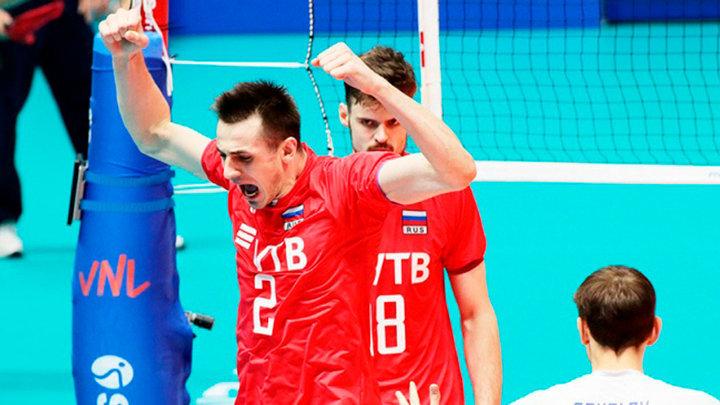 Российские волейболисты уверенно обыграли македонцев
