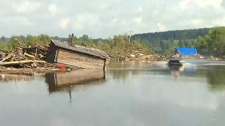 Уровень воды в реке Ия поднялся выше критической отметки