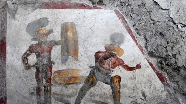 Фреска изображает традиционный гладиаторский поединок.