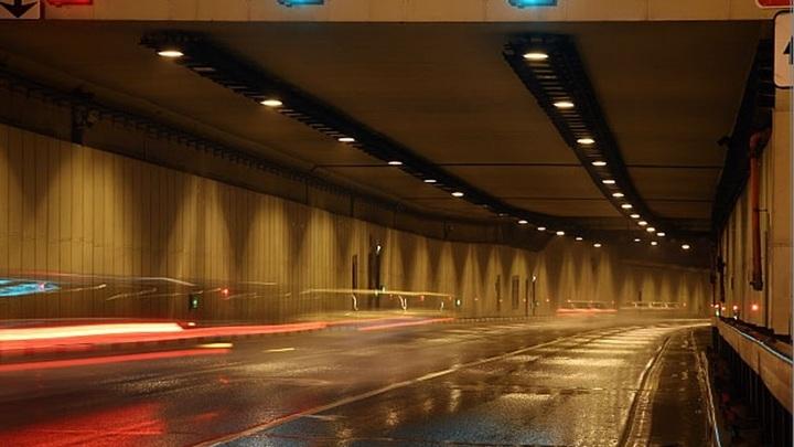 В Лефортовском тоннеле в Москве загорелся автомобиль
