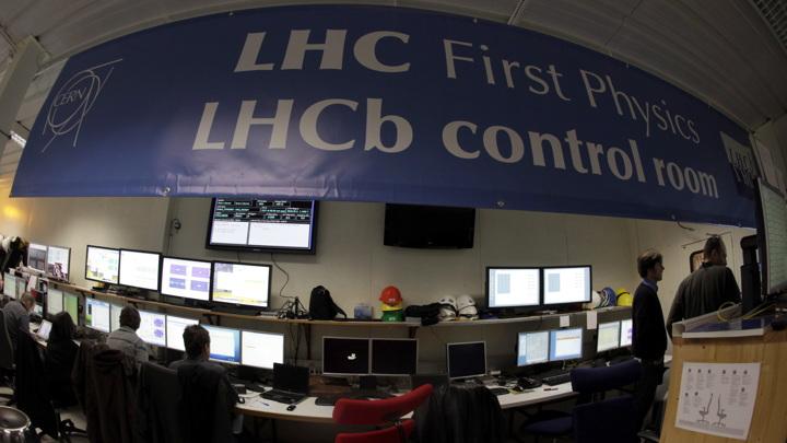 Новая частица найдена физиками коллаборации LHCb, работающей с Большим адронным коллайдером.