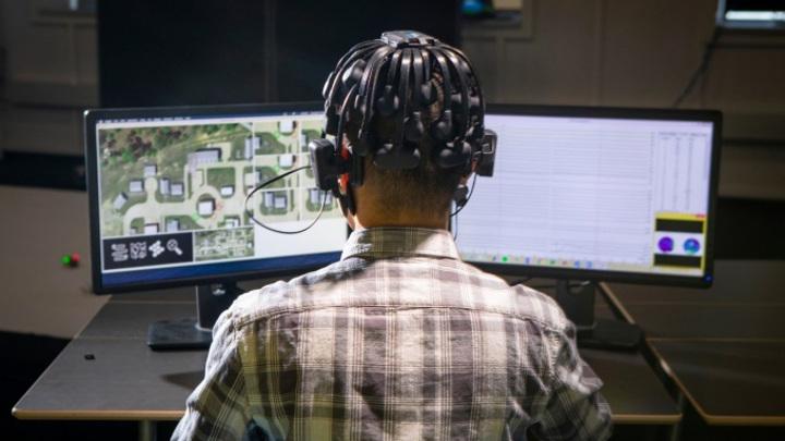 Геймеры научат ИИ управлять стаями боевых дронов