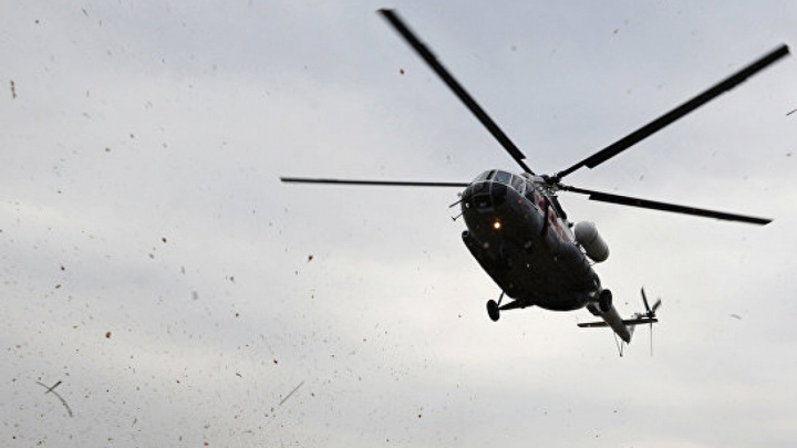 Вертолет с пассажирами совершил аварийную посадку на Сахалине