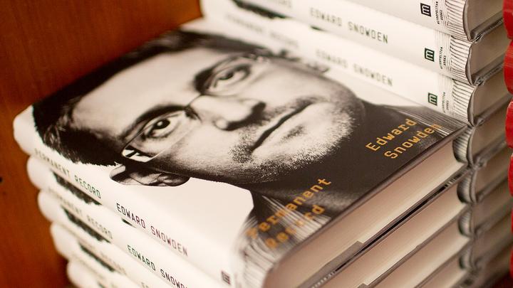 Суд обязал Сноудена отказаться от 5 миллионов долларов