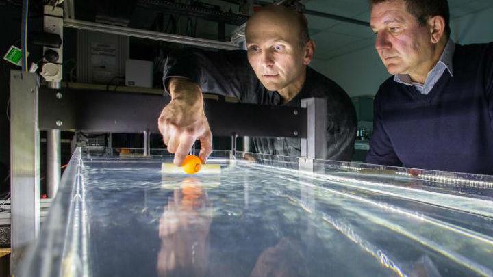 Физики создали водный аналог фантастического притягивающего луча