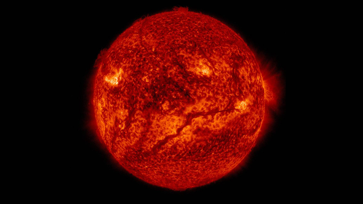 В ядре Солнца и других светил господствуют столь высокие температуры и давления, что ядра водорода, гелия и лития могут сталкиваться друг с другом и сливаться, формируя более тяжёлый элемент и выделяя энергию.