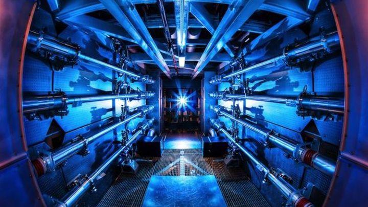 Самый мощный в мире лазер взял рекордную планку в 500 триллионов ватт